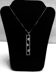 Picture of White gold chain with diamond pendant